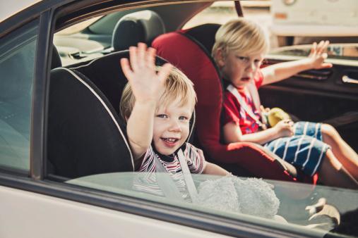 igre u automobilu